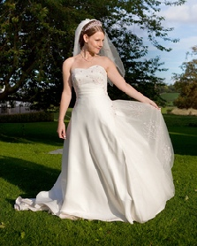 Elizabeth Smith Bespoke Gowns and Exclusive colllection of gown designs